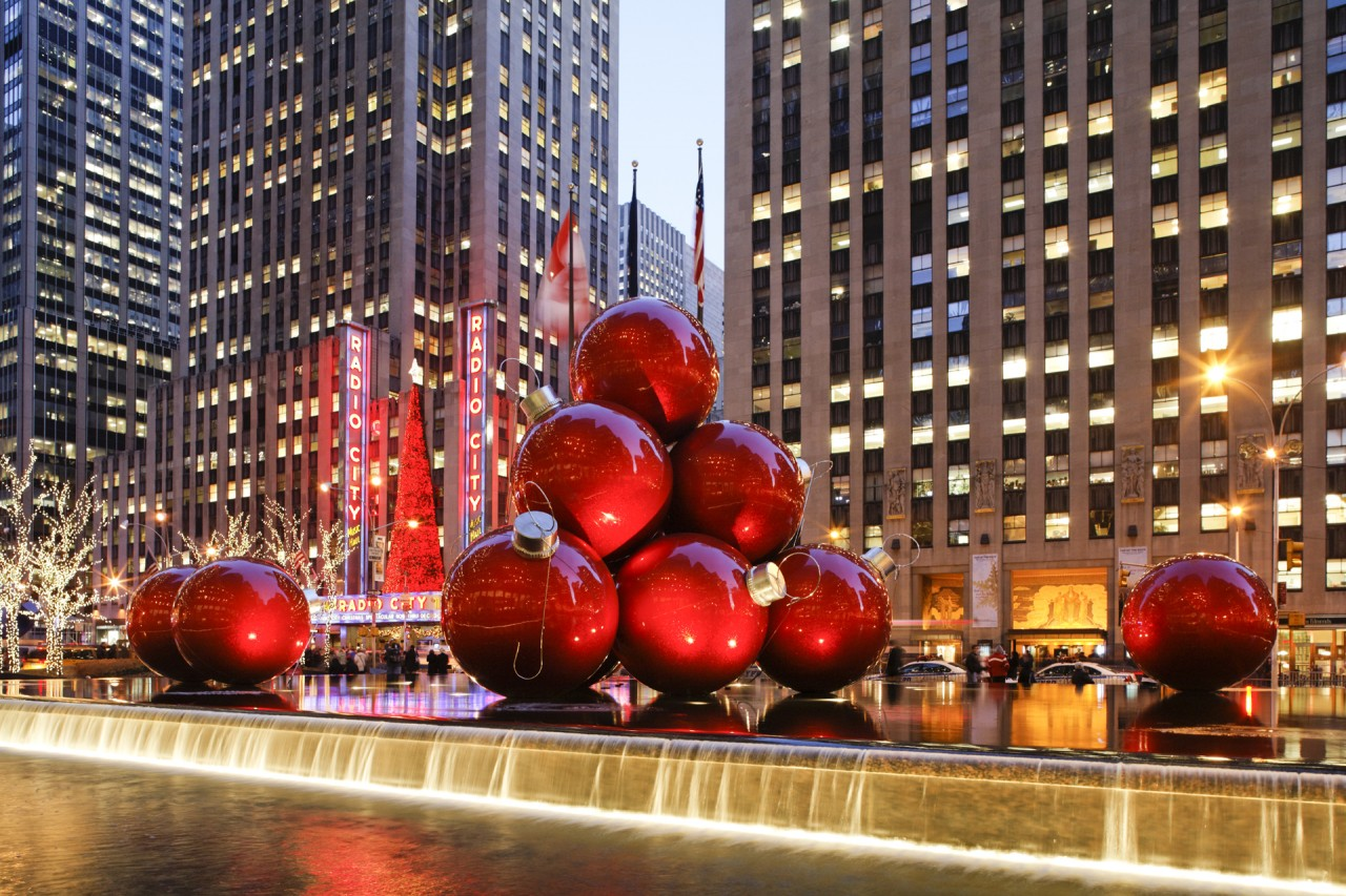 Venue Arts Large-Scale Holiday Ornament Installation