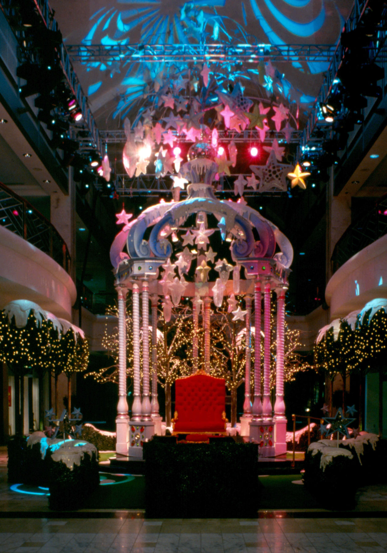 gazebo Santa throne